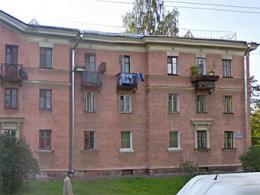 """Наиболее дорогую """"трехкомнатную квартиру"""" Санкт-Петербурга расценили в 2,7 млн руб"""