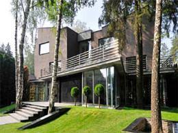 За аренду особняка в Московской области просили 65 миллионов долларов США в неделю