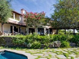 Мыс Райан заработала на реализации дома в Лос-Анджелесе