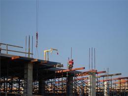 Более 50% строящихся вМоскве квартирных комплексов попали всписок «отстающих»