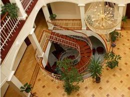Самый крупный во всем мире изготовителей бриллиантов реализует сеть отелей