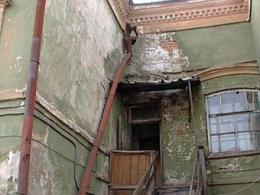Депутаты рекомендовали труженице тыла жилище без жидкости и газа