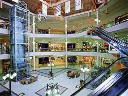 В столичных супермаркетах стало меньше пустейших площадей