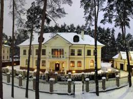 Престижным жилищам на Рублевке предрекли рост расценок