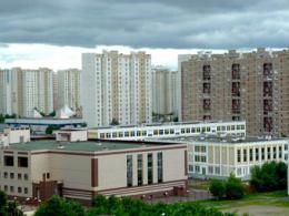 Столице рекомендовали отказаться от школ в дворах квартирных зданий